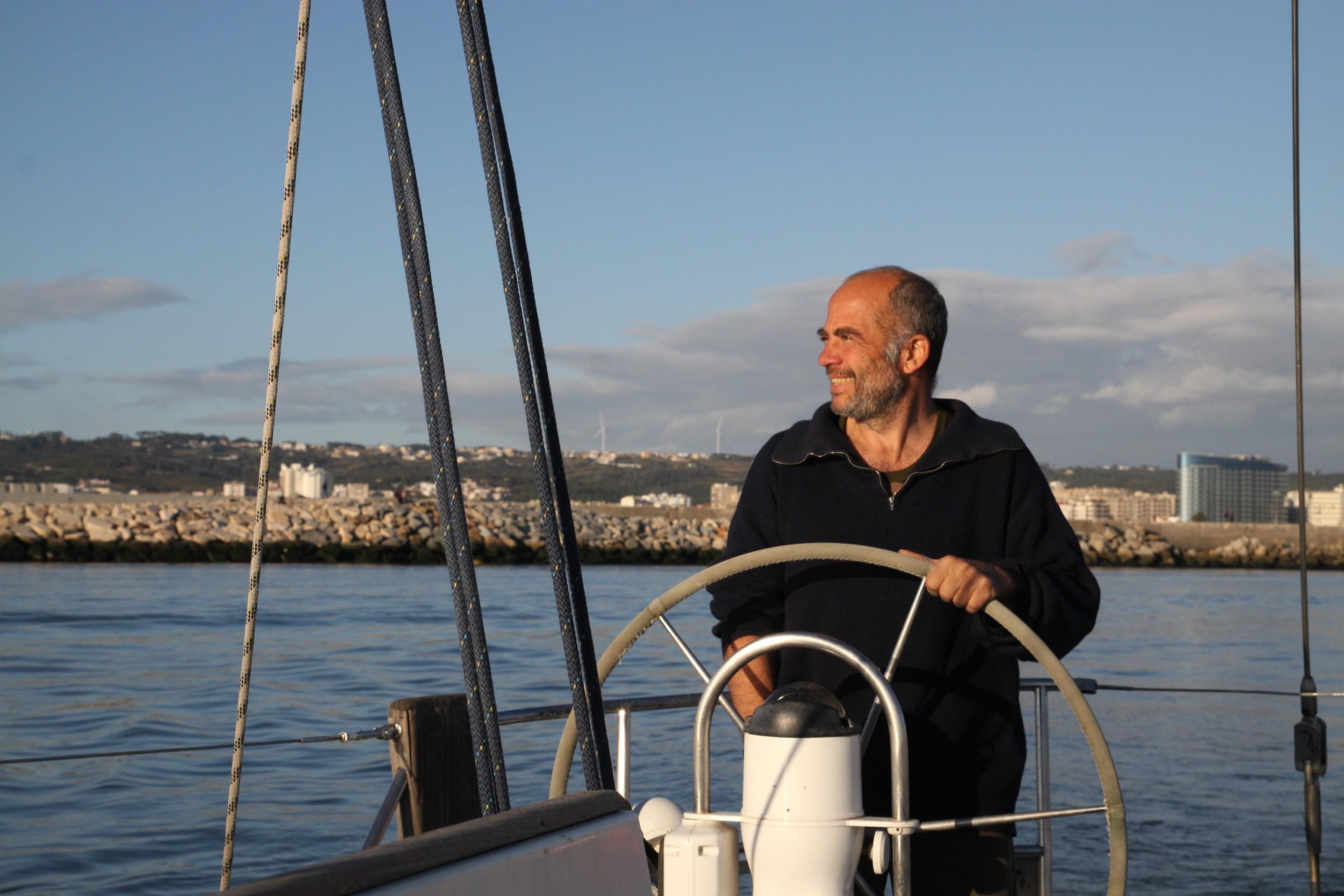 Envie de découvrir la Bretagne Nord par la mer ? Embarquez avec Emmanuel, skipper pro basé à Saint Malo !