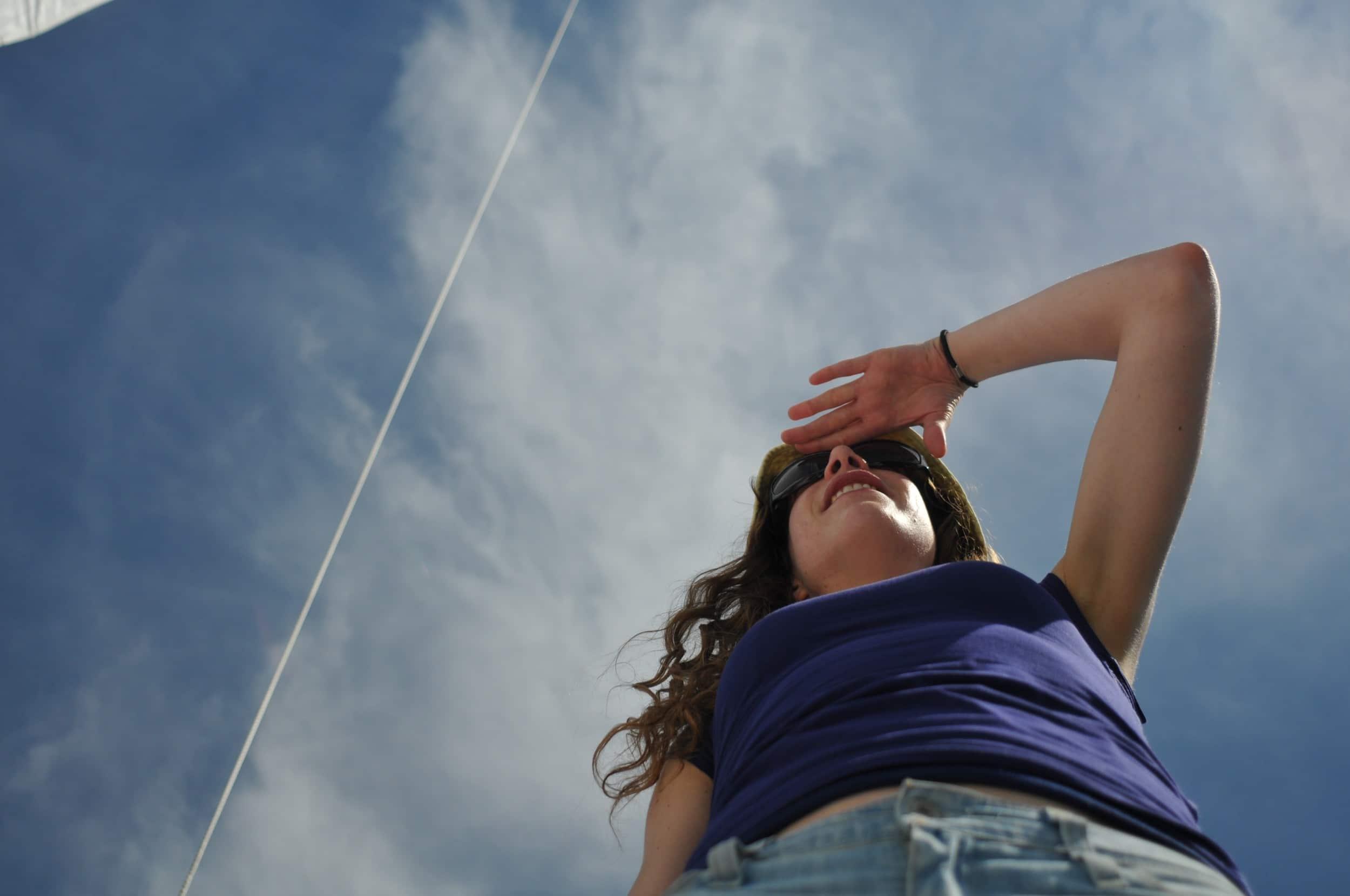 Pendant les ponts de mai, profitez-en pour prendre le large ! Partez en voilier avec skipper vers Jersey, Belle-Île ou Saint-Malo, pour vos week-ends de 2 à 4 jours.