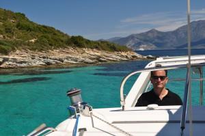 William, skipper en Corse, a bord de son catamaran