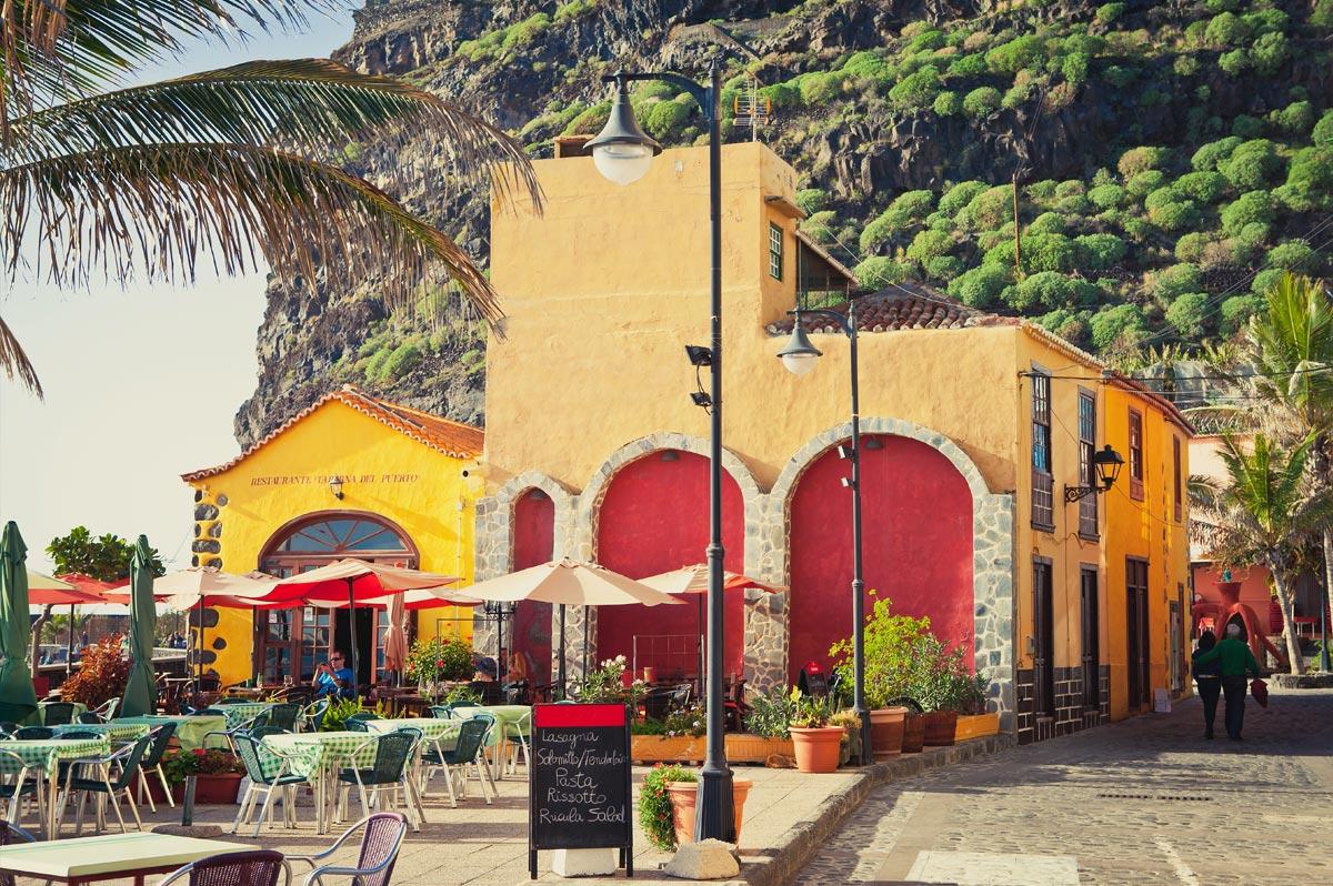 Place colorée à Tazacorte, sur La Palma