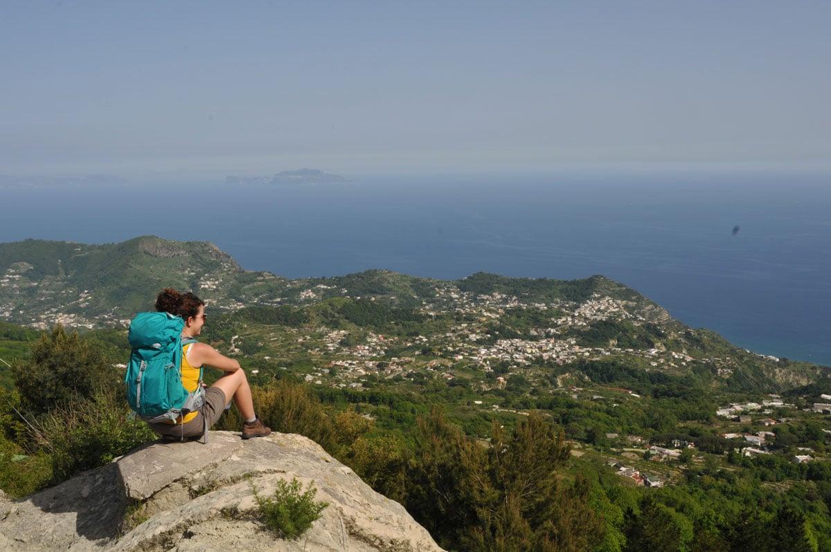 Au sommet du mont Epomeo, vue imprenable sur la Méditerranée - Skippair