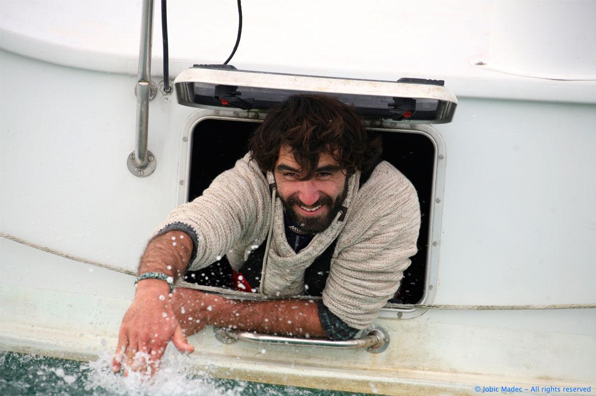 Le skipper suisse Alan Roura est prêt à se jeter dans le grand bain du Vendée Globe - Jobic Madec